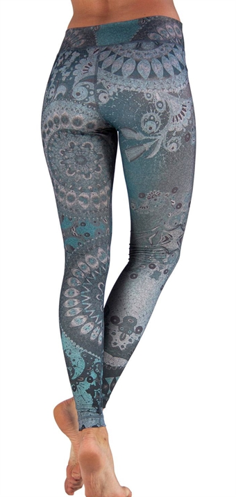 NLGLx_niyama_leggings_gypsy_love_back